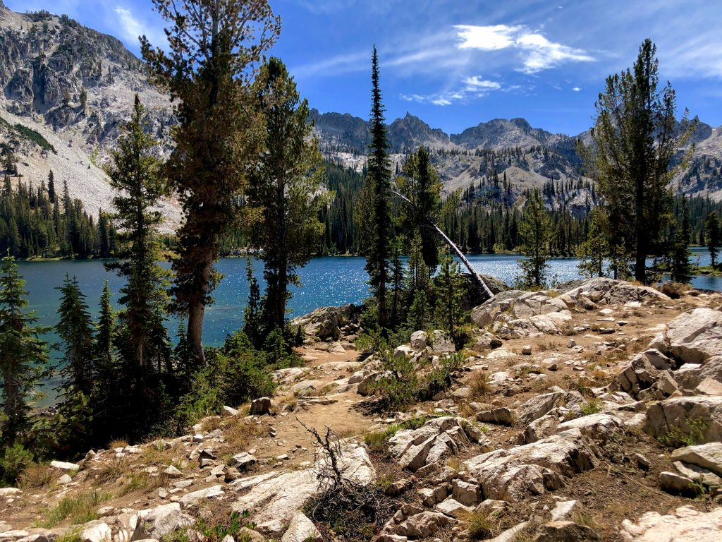 Hiking to Alice Lake